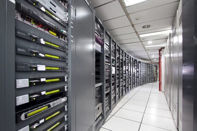 Tips Menjaga AC Agar Tidak Overheating Dalam Ruang Server